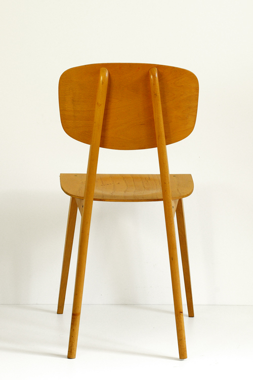 chaise vintage bois clair. Black Bedroom Furniture Sets. Home Design Ideas